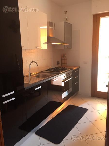 Cucina Componibile Ad Angolo. Cheap Mobile Alto Bianco Ad Angolo Da ...